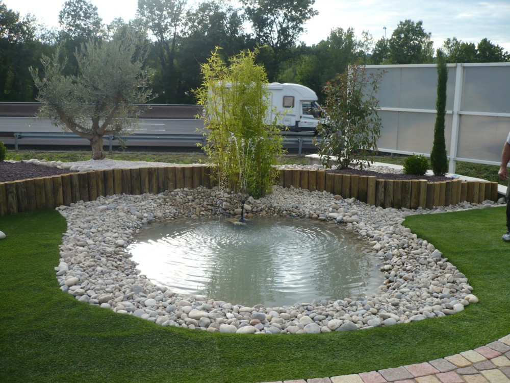 Cr ation de bassins espaces verts jardin arrosage for Creation deco jardin